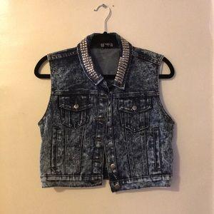 Denim vest with studded collar